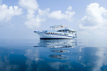 Tropical Cruise yacht Maldives